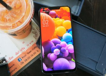 Zenfone 5 ZE620KL review. Accepts up to 2TB SD and bridges the gap between flagship and budget