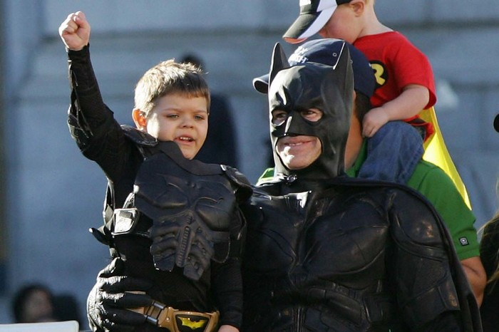 San Francisco comes together to help batkid save the city - and to grant the wish of an ill child. [2013] Source: Raphael Kluzniok